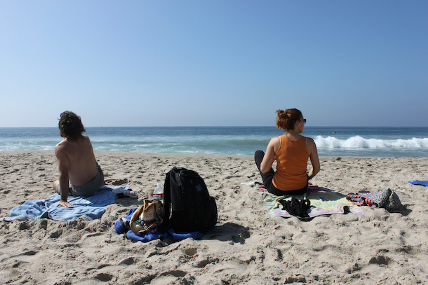 Råfrisk: 111026: Sunday Morning Beach Yoga